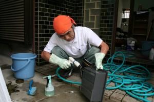 清掃用具として活躍する洗車用ブラシ