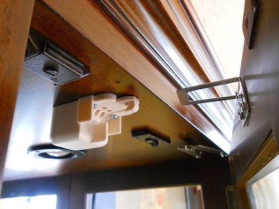 耐震ラッチ 取付施工例